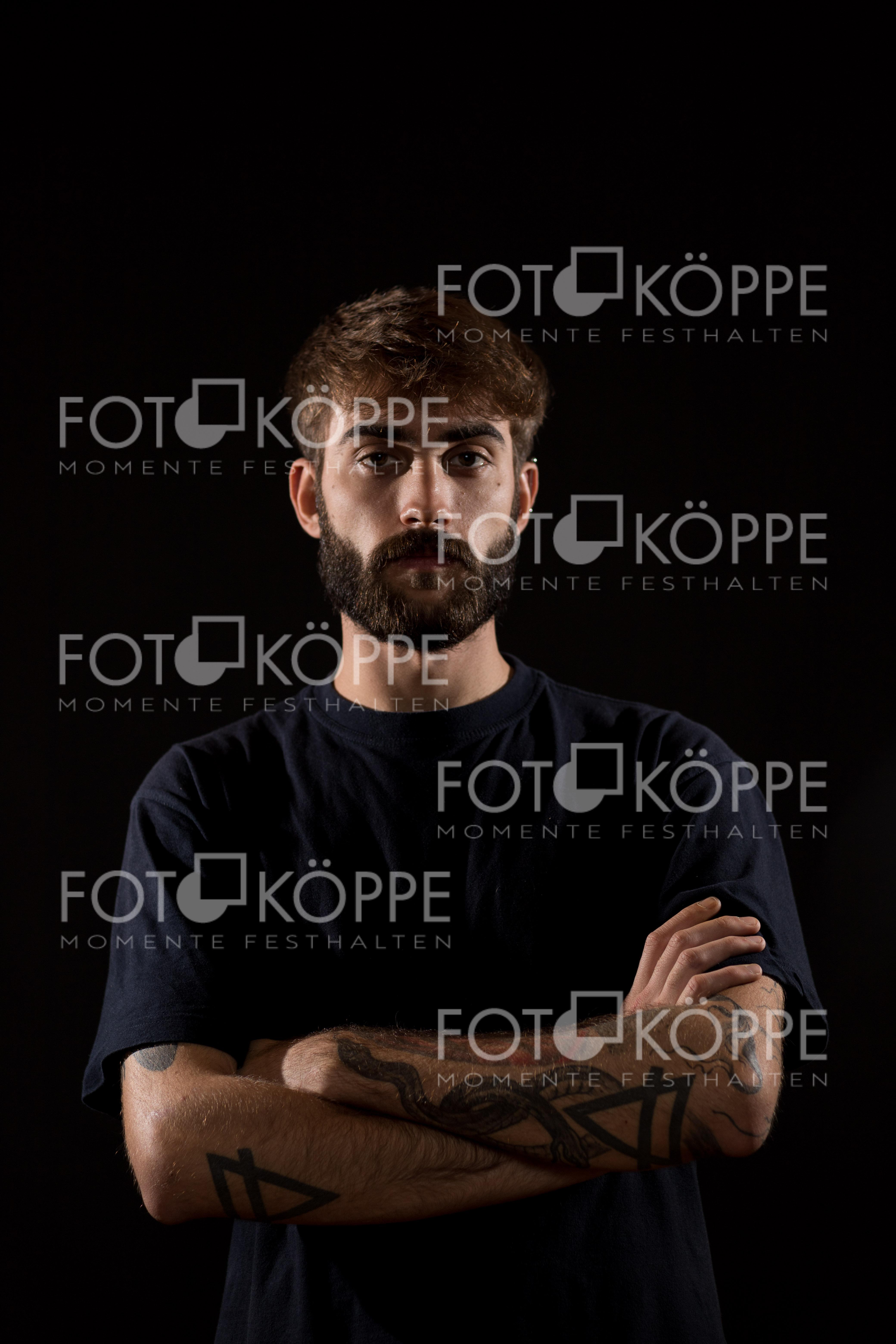 2018-11_Portrait_9330